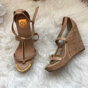 DOLCE VITA WEDGES, NUDE W/GOLD ACCENT, SIZE 8.5